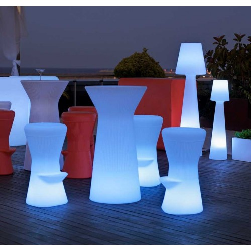 Outdoor Forniture and elements of design